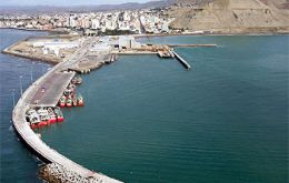 The Port of Comodoro Rivadavia could receive a considerable amount of activity with the arrival of Asian squid jiggers.