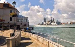 HMS Edimburg returned home (Crown Copyright/MOD 2007)