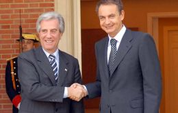 Pte. Vazquez and PM Zapatero after press conference