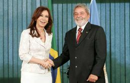 Brazil's Lula da Silva expects no mayor policies changes from elected President Cristina Kirchner