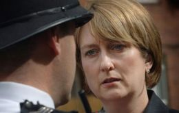 "Jacqui Smith required ""clarification of the events from Metrolpolitan Police Commissioner"""
