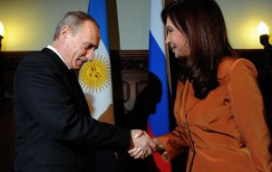 "CFK: ""Latinamerica needs Chavez as Europe needs  Putin"""