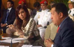 During a lively conference Cristina and Chavez forget recent misunderstandings