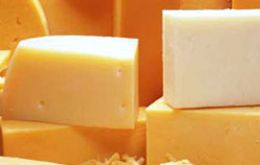 Powder milk and Gouda cheese are the main products rejected by Chilean farmers.