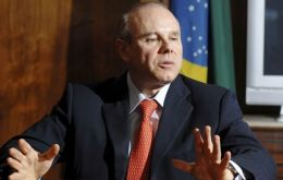 Finance Minister Mantega expects continued growth into 2010