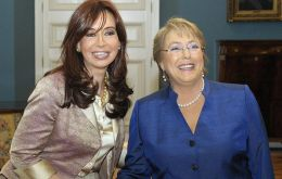 The two ladies at the Chilean government house, Casa de la Moneda