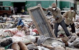 According to Haiti authorities as many as 200.000 people were killed two weeks ago (AP)