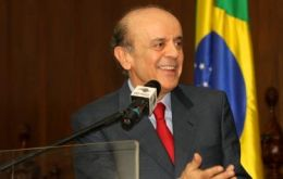 Opposition presidential candidate Jose Serra insists in reforming the South American trade block