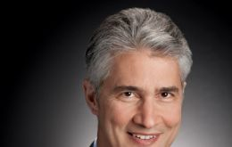 Continental's chief executive, Jeff Smisek, will be the merged companies CEO