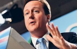 "Mr Brown had ""lost his mandate to govern"", says Cameron"
