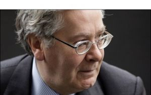 "Bank of England Governor Mervyn King: ""temporary effects"""
