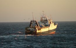 The plan follows a successful experience which reduced longline-fishery sea birds death by 90%