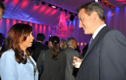 Mrs. Kirchner and PM David Cameron