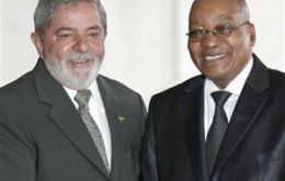 Lula da Silva next to Jacob Zuma