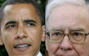 During the meeting President Obama gave Warren Buffett one of his ties
