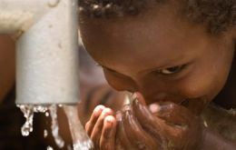 According to UN 900 million people world wide to not have access to clean water