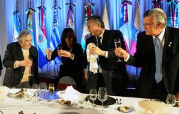 The Argentine president makes a toast for integration