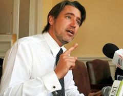 Socialist Senator Fulvio Rossi admits the issue is still too controversial for Chile