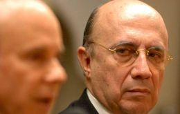 Meirelles can also count with the sovereign wealth fund to buy greenbacks