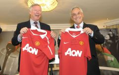 President Piñera with Sir Alex Ferguson (L)