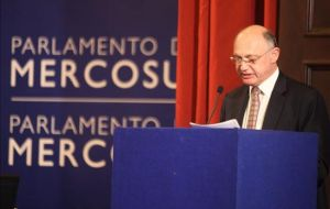 Foreign Affairs minister Timmerman addressing the Parlasur plenary in Montevideo (Photo EFE)