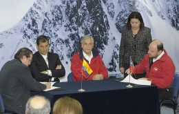 The leaders signed an Antarctica cooperation accord in Punta Arenas