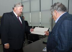 President Mujica received the diplomatic credentials from the new Argentine ambassador Miguel Dante Dovena,