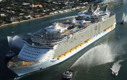 "Oasis of the Seas, ""cruise ship, rookie"" and ""cruise ship, overall"" awards"