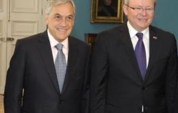President Piñera with Foreign minister Kevin Rudd at Casa de la Moneda