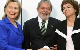A meeting of two ladies: Hillary Clinton with Dilma Rousseff