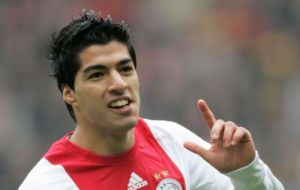 Luis Suarez, Holland's main team striker