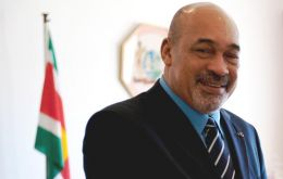 President Desi Bouterse sent the recognition letter to Mahmoud Abbas and to the UN Secretary General
