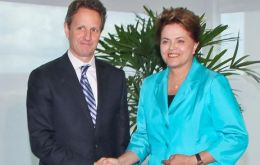 US Treasury Secretary Geithner is receive by President Dilma Rousseff.