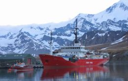"Falklands Fisheries Protection Vessel ""Pharos SG"" is bringing the bait"