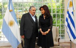 President Mujica and Cristina Fernandez pose for the protocol picture