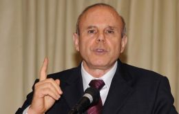 Finance minister Mantega argues higher bank reserves and capital requirements are more effective than interest rate increases