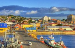 Can you see any cruise vessels in Punta Arenas?
