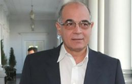 Cabinet chief Miguel Lopez Perito announced resumption of negotiations