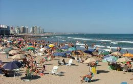 Uruguayan beaches packed with Brazilian and Argentine tourists