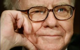 The US financial investor Warren Buffet manages over 120 billion US dollars
