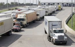 Trucks at the US/Mexico border waiting to cross