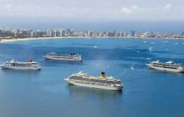 Several cruise vessels anchored in Punta del Este