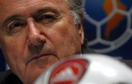 Difficult to support either candidate: Sepp Blatter or contender Bin Hammam
