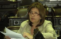 "Lawmaker Patricia Bullrich challenging Secretary Moreno to ""come and fine members of Congress"""