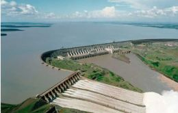 The world's largest operational dam, Itaipú