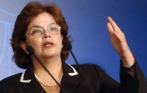 A 'unique' development model, according to an enthusiastic Dilma Rousseff