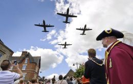 Locals gather to mark the departure of the last of the Hercules Force from RAF Lyneham  (Picture: Paul Crouch, Crown Copyright/MOD 2011)