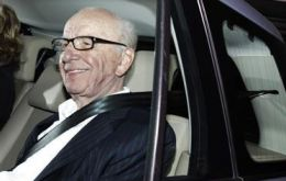 "Murdoch ""will only give evidence to a public inquiry"" announced by UK PM Cameron"