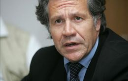 "Foreign Affairs minister Luis Almagro said Holocaust is ""an undeniable historic event"""