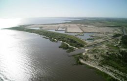 Punta Pereira on the River Plate where the new pulp mill is under construction